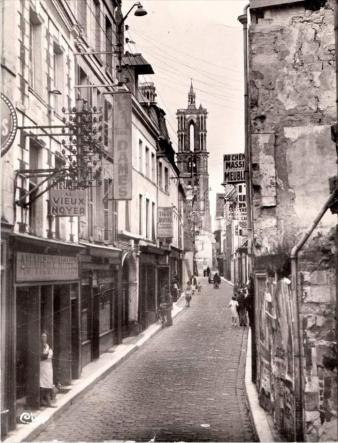 Le haut de LAON - La Rue Châtelaine