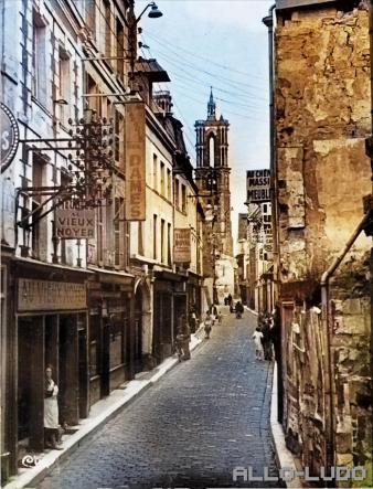 Le haut de LAON - La Rue Châtelaine (photo retouchée)